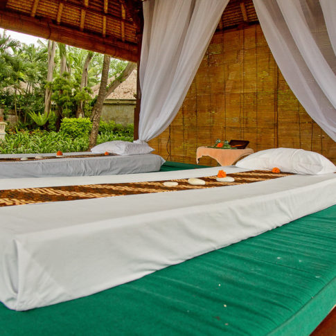 Bed massage - Bali