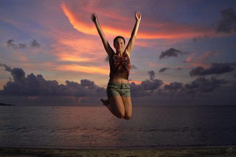 Залез в Бали - в облаците