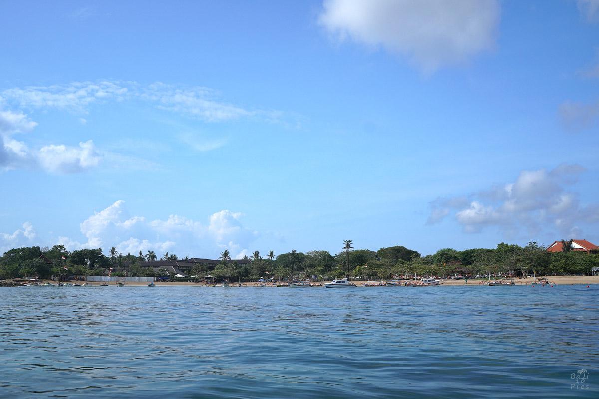 Фотограф под наем - поглед към брега
