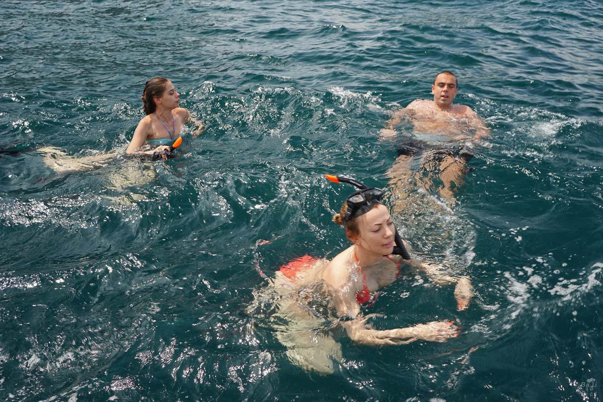 Фотограф под наем - релакс във водата след гмуркането