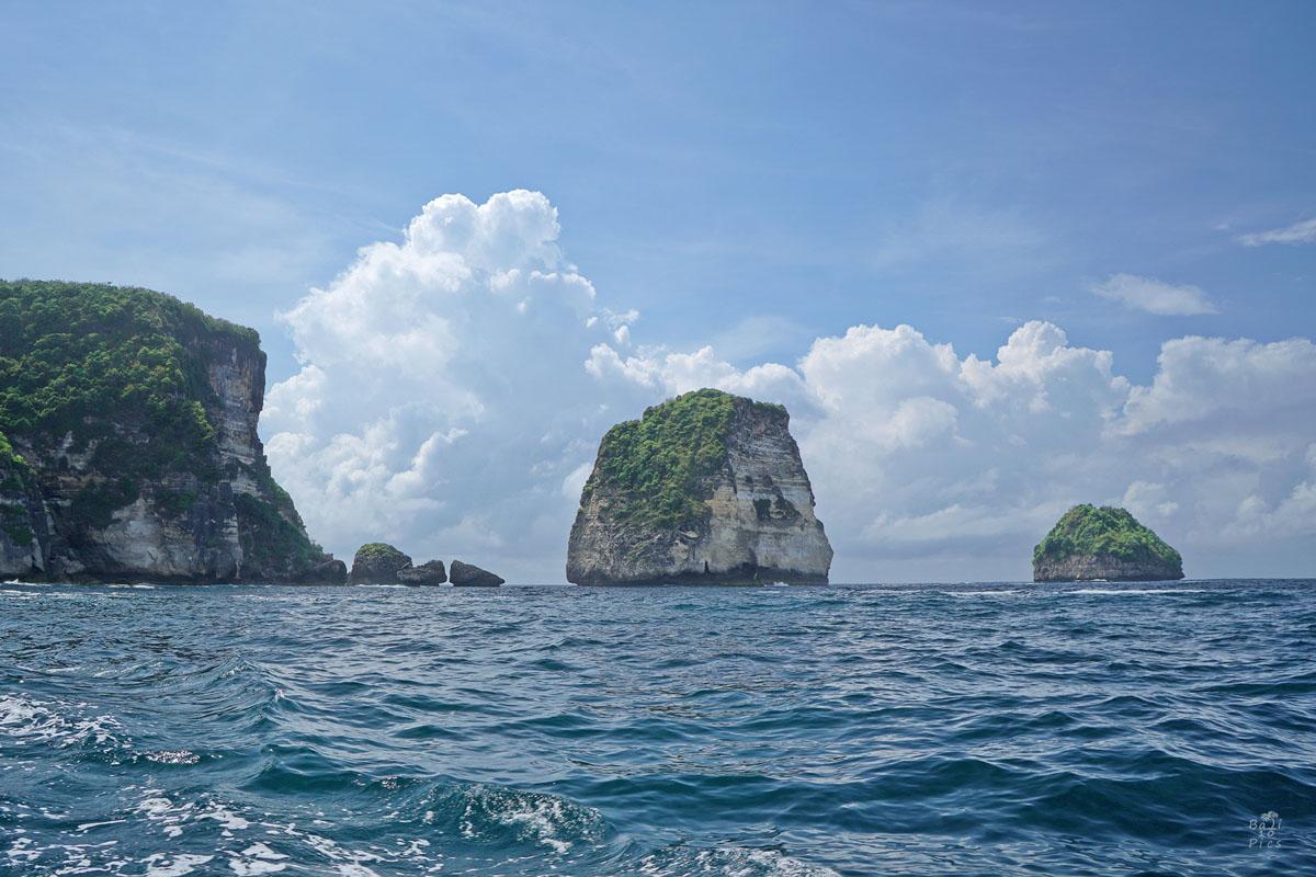 Фотограф под наем - скални образувания във водата