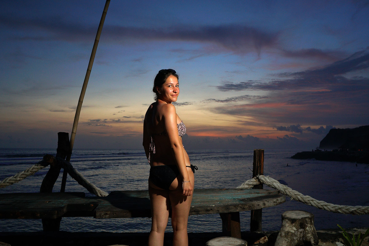 Фотограф под наем - фотосесия на Бали - melasti beach - снимка 3