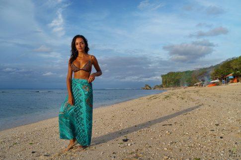 Фотосесия на плажа - модел на Padang Padang