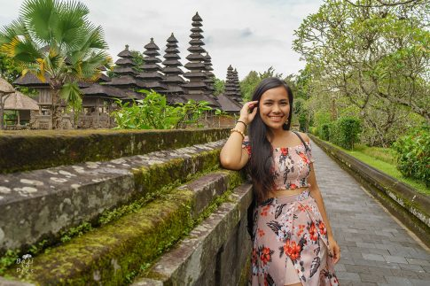 Портрет на момиче в Бали - Taman Ayun